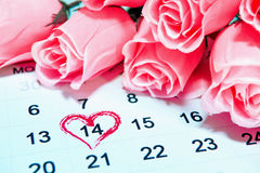 Giorno di biglietti di S. Valentino, il 14 febbraio alla pagina del calendario Fotografia Stock Libera da Diritti
