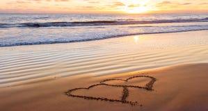 Giorno di biglietti di S. Valentino sulla spiaggia fotografie stock libere da diritti