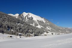 Giorno di dicembre nel Bernese Oberland Fotografia Stock Libera da Diritti