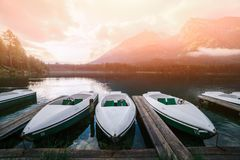 Giorno di estate soleggiato stupefacente sul lago Hintersee Fotografie Stock Libere da Diritti