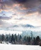Giorno di inverno in montagne Immagine Stock Libera da Diritti