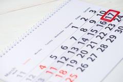 Giorno di Patricks del san 17 marzo segno sul calendario Immagine Stock