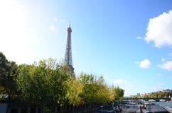 Giorno di Perfcet della torre di Parigi Eiffer Immagini Stock