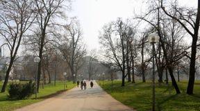 Giorno di primavera nel parco vicino al teatro dell'opera, Stuttgart, Germania Immagine Stock Libera da Diritti