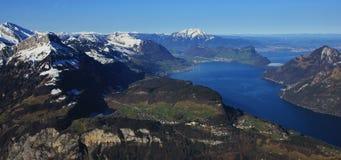 Giorno di primavera in Svizzera centrale Fotografia Stock