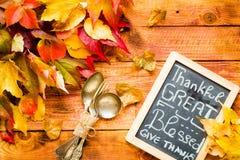 Giorno di ringraziamento, fondo delle foglie di autunno Fotografia Stock