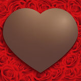 Giorno di S. Valentino felice, struttura del cuore del cioccolato sul fondo del modello della rosa rossa, stile d'annata Fotografia Stock Libera da Diritti