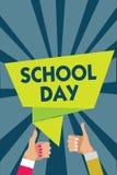 Giorno di scuola di scrittura del testo della scrittura Il significato di concetto comincia da sette o otto a tre pm ottengono in royalty illustrazione gratis