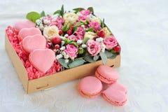 Giorno in forma di cuore del ` s del biglietto di S. Valentino del maccherone francese Fotografia Stock