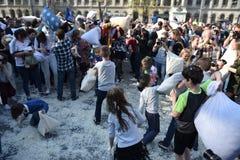 Giorno internazionale Bucarest 2017 di lotta di cuscino Immagine Stock Libera da Diritti