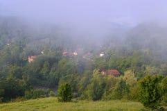 Giorno nebbioso in Vetrintsi Fotografia Stock