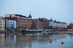 Giorno nuvoloso, il Mar Baltico e Quay Pohjoisranta Fotografia Stock