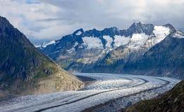 Giorno nuvoloso nelle alpi Fotografia Stock Libera da Diritti