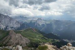 Giorno nuvoloso nelle alpi italiane delle dolomia Bello landsca del mauntain Fotografia Stock Libera da Diritti