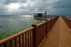 Giorno nuvoloso sul litorale Fotografia Stock