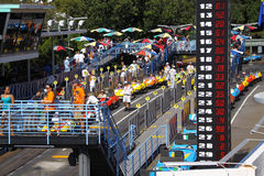 Giorno occupato alla gara motociclistica su pista del Disney Fotografia Stock Libera da Diritti