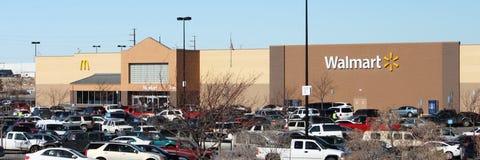 Giorno occupato di acquisto di Walmart Fotografia Stock