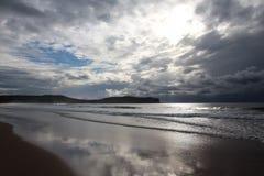 Giorno piovoso su una spiaggia in Australia Immagine Stock