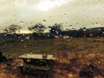 Giorno piovoso, Tabella di picnic Fotografie Stock