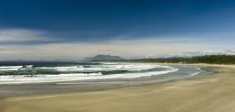 Giorno soleggiato alla spiaggia di Wickaninnish, isola di Vancouver, Columbia Britannica, Canada fotografie stock