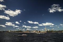 Giorno soleggiato luminoso a St Petersburg Immagini Stock Libere da Diritti