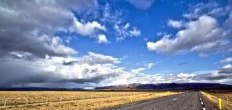 Giorno soleggiato nuvoloso Immagini Stock Libere da Diritti
