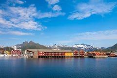 Giorno in Svolvaer, isole di Lofoten, Norvegia immagini stock