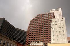 Giorno tenebroso delle costruzioni della città Immagini Stock Libere da Diritti