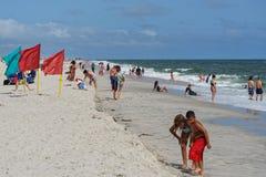 Giorno ventoso a Jones Beach su Long Island immagine stock