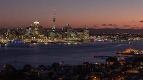Giorno vibrante all'intervallo di notte della città di Auckland, la Nuova Zelanda video d archivio