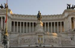 Giorno vicino su della statua equestre di Emmanuel II Immagine Stock Libera da Diritti