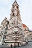 Giotto-` s Glockenturm und Duomo am Morgen Lizenzfreie Stockfotos