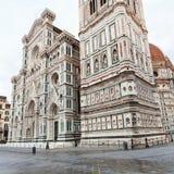 Giotto-` s Glockenturm und Duomoon quadrieren am Morgen Lizenzfreie Stockbilder