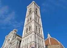 Giottos Klocka torn vid domkyrkan Arkivbilder