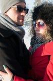 Giovane abbraccio delle coppie Fotografie Stock Libere da Diritti