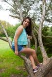 Giovane adolescente al parco Fotografie Stock Libere da Diritti