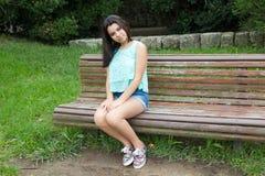 Giovane adolescente al parco Fotografia Stock Libera da Diritti