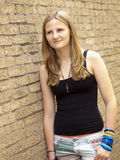 Giovane adolescente che sembra triste o depresso Fotografia Stock