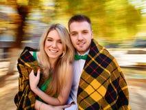 Giovane autunno delle coppie Fotografie Stock