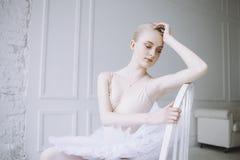 Giovane ballerina nella classe di balletto Immagine Stock Libera da Diritti