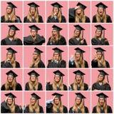 Giovane bella donna bionda con il cappuccio di graduazione immagine stock