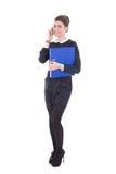 Giovane bella donna di affari in vestito nero con la cartella blu i Fotografia Stock Libera da Diritti