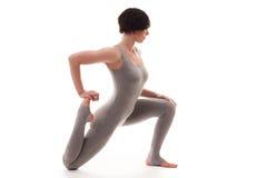 Giovane bella posa di yoga della donna Isolato Immagine Stock Libera da Diritti