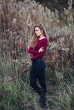Giovane bella ragazza bionda caucasica della donna con capelli lunghi Fotografie Stock Libere da Diritti