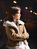 Giovane bella ragazza nella notte Fotografia Stock