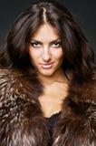 Giovane bellezza in pellicce Immagine Stock