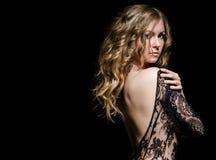 Giovane bellezza in vestito dal merletto Fotografia Stock