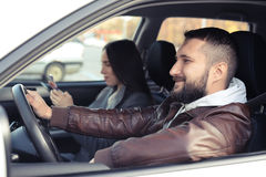 Giovane che conduce l'automobile Fotografia Stock Libera da Diritti