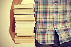Giovane con i libri, con un effetto del filtro Immagini Stock Libere da Diritti