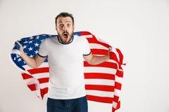 Giovane con la bandiera degli Stati Uniti d'America fotografie stock libere da diritti